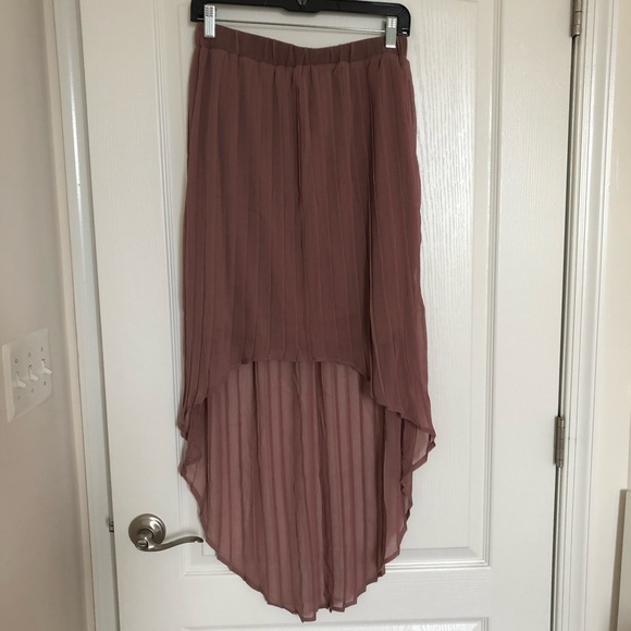 Xhilaration Dresses & Skirts - 3/$22 🥳Hi-low skirt in Mauve